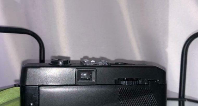 Nippon 35mm camera met 50mm fixed focus