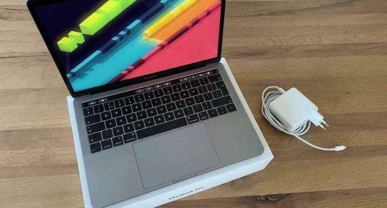 Apple MacBook Pro 13-inch 2019