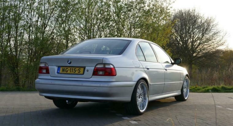 BMW E39 530I automaat 2001 van liefhebber.