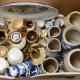 Online veiling: Doos met gekleurd aardewerk Frans