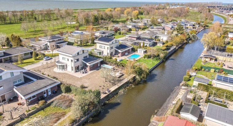Woning aan het villapark te Lelystad, Birdielaan 25