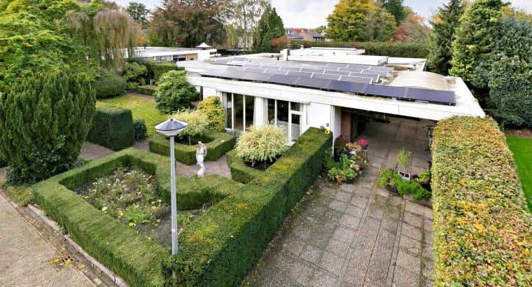Zeer royale bungalow (inhoud ca. 1.245m³), Te koop in Hoogezand