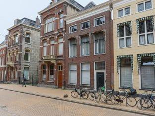 Royaal monumentaal herenhuis in de binnenstad van Groningen