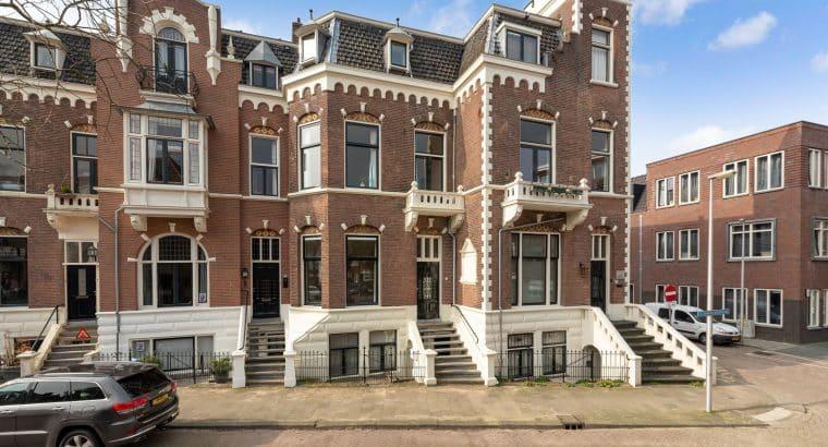 Van Limburg Stirumstraat 26, mooi gelegen in Wilhemina park