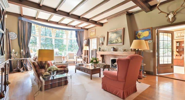 Charmante vrijstaande villa op ruim perceel van 2165 m2, in Wassenaar