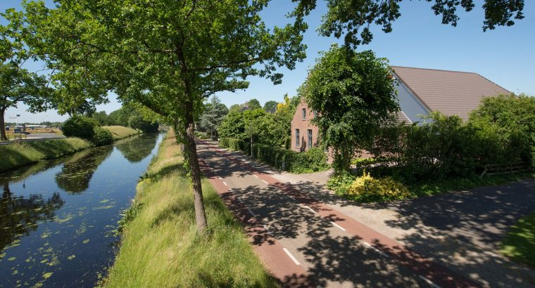Fraaie woonboerderij Hoofdvaartsweg 170, Assen