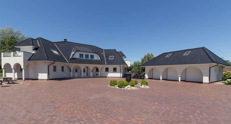 Riante villa van ca. 350 m, Steendam