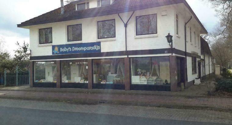 Te koop Winkel met Bovenwoning in Zenderen- ov
