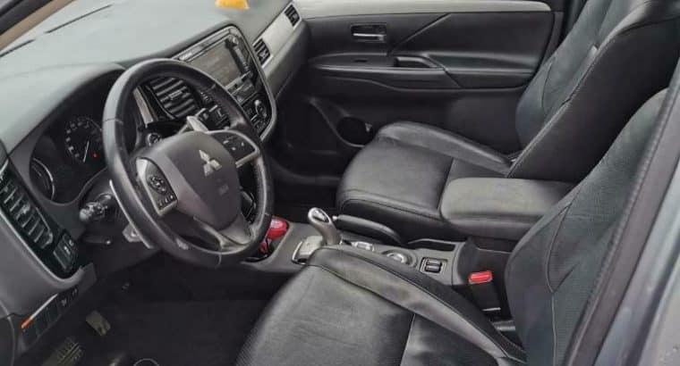 Mitsubishi Outlander 2.0 Phev 4WD CVT 5P 2015 Grijs