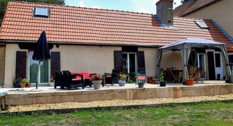 Frankrijk bourgogne 2 sfeervol gerenoveerde huizen.