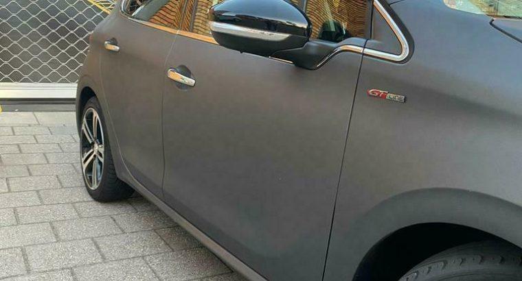UNIEK Peugeot 208 1.2 VTI 81KW/110PK 5-D 2015 Mat Grijs !!