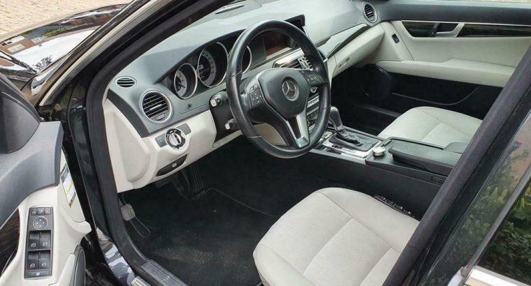Mercedes C-klasse 220 CDI Avantgarde trekhaak mooie uitvoering