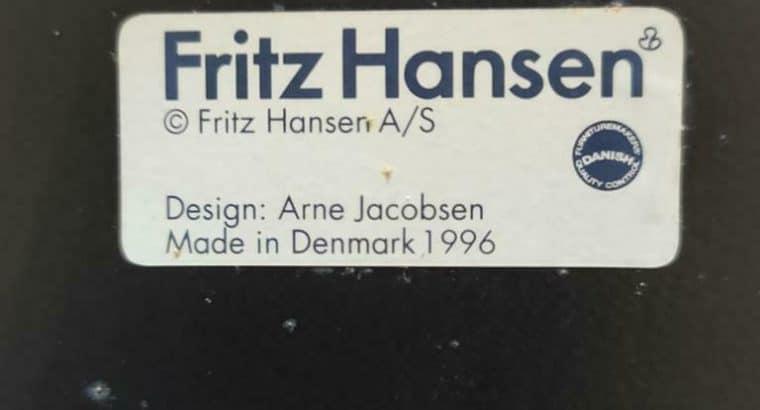 Fritz Hansen vlinderstrik 1969 design Arne Jacobsen