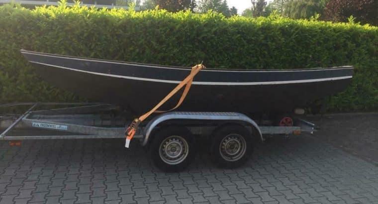 Stalen boot werk aan motor diesel motor