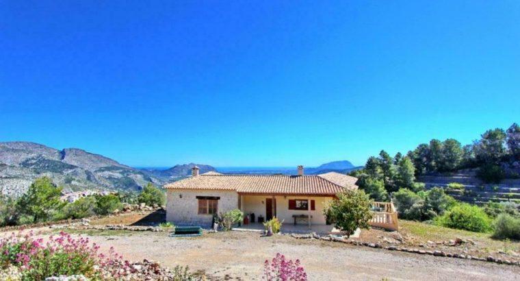 Te koop Villa Costa Blanca, 200m2, 10.551m2 land, zee 30km